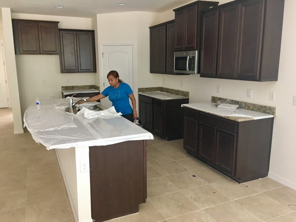 Kitchen countertops are in!